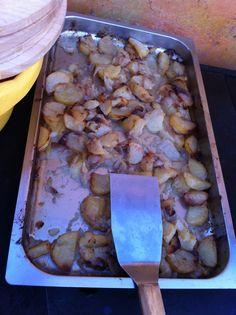 Ben accompagnati dalle patatine arrosto.