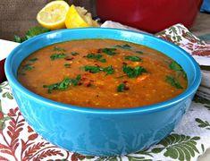 Saborosa e exótica, a sopa marroquina é uma opção de refeição leve para os dias mais frios, que pedem um prato com ingredientes nutritivos e temperatura bem quentinha. Confira os ingredientes para preparar a sua sopa marroquina e acompanhe no passo-a-passo como fazer!