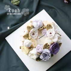 soy wax flower candle by Ruah cake insta: ruah_cake