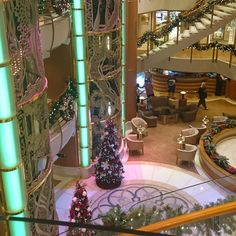 The atrium aboard Diamond Princess is looking jolly! (Thanks to Instagram user joannarestaino for the photo.)