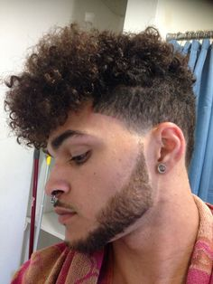 The biggest and best hair trends for men to try this spring summer according to top barbers. Here are the top looks, how to get them yourself and how to style them at home. Modern Short Hairstyles, Mens Hairstyles Fade, Trendy Hairstyles, Professional Hairstyles, Guy Haircuts Long, Black Men Haircuts, Black Curls, Hair And Beard Styles, Curly Hair Styles