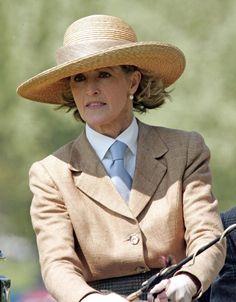 Lady Penny Romsey (Brabourne)