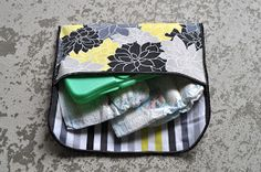 Today I have a super simple sewing project - the 15 minute diaper clutch. I'm not super fast with sewing, but this baby takes almost n...