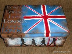 Porta batom, com decoupage e pátina envelhecida.Um charminho com a borboleta feita com caixa de                   ...