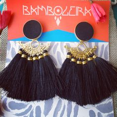 Tassel earrings! Available @bamboleira! Black earrings fashion. / Aretes negros disponibles en @bamboleira