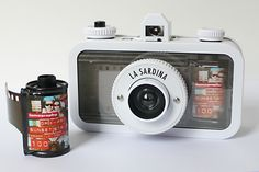 See Through your La Sardina DIY Using this Easy to Make Trompe l'œil Cover - Lomography Lomo Camera, Instax Mini Camera, Film Camera, 35mm Film, Film Photography Tips, Underwater Photography, Pregnancy Photography, Underwater Photos, Street Photography