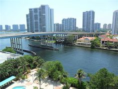 FOR RENT - Large 1,000 sq.ft. apt, with lots of closets, Great View all tile, across from the beach, close to stores, shopping, restaurants and Aventura. 24 hr. security/concierge with all amenities. SHIMON OHANA @ 305.333.7503 | 19390 COLLINS AV # 1011, Sunny Isles Beach, FL, 33160, MLS A1858385