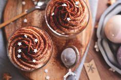A karácsonyi édességek egyik kedvenc alapanyaga a gesztenye. Elegáns ünnepi desszert 20 perc munkával. Something Sweet, Tiramisu, Muffin, Favorite Recipes, Food, Essen, Muffins, Meals, Tiramisu Cake