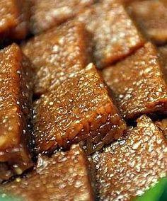 Kue wajik, a compressed sweet glutinous rice cake.
