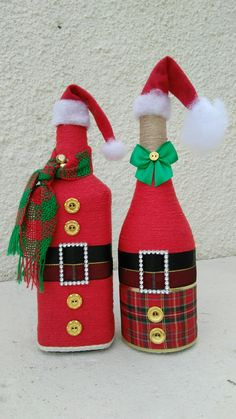 Gifts baskets ideas wine Ideas for 2019 Wine Christmas Gifts, Christmas Wine Bottles, Christmas Crafts, Christmas Ornaments, Wine Bottle Crafts, Jar Crafts, Wine Bottle Art, Deco Table Noel, Xmas Decorations