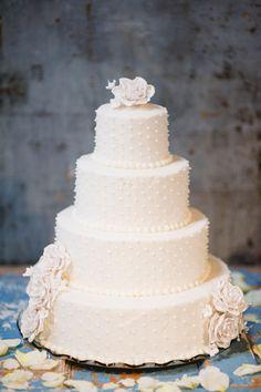 Perfect, traditional wedding cake. Photo by Lauren Larsen Photographs. www.wedsociety.com #cake