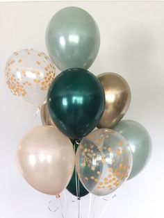Baby Shower Ideas Sage Green and gold balloons! These stunning, one-of-kind balloons are the perfect way to make a pop at your next event! This Sage Green and Gold Balloon Bouquet includes: 2 Sage Green Double Layered Latex 11 Deco Baby Shower, Boy Baby Shower Themes, Baby Shower Balloons, Baby Shower Parties, Baby Shower Green, Baby Shower Brunch, Green Bridal Showers, Gold Baby Showers, Bridal Shower Colors