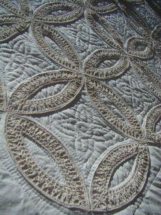 Heirloom wedding ring quilt