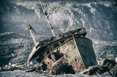 Abandoned Ships, Abandoned Cars, Abandoned Places, Abandoned Vehicles, Fishing Boats For Sale, Small Fishing Boats, Boats For Sale Florida, Coron Island, Kayak Fishing