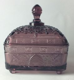 Tiara Indiana Glass Footed Lid Bee Hive Pattern Amethyst Candy Dish