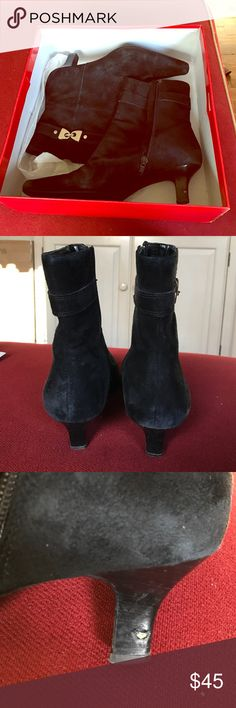 Anne Klein booties *BEST OFFER Black Anne Klein booties! Super comfy great for this coming winter! Good condition! Anne Klein Shoes Ankle Boots & Booties