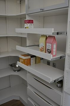 Pantry with Pull-Out Shelves | California Closets