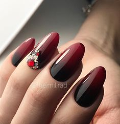 Beautiful nail art designs that are just too cute to resist. It's time to try out something new with your nail art. Goth Nail Art, Goth Nails, Edgy Nails, Prom Nails, Popular Nail Designs, Cute Nail Designs, Nail Color Combos, Art Simple, Modern Nails