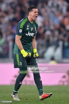 Juventus goalkeeper Wojciech Szczesny celebrates after the second. Juventus Goalkeeper, Juventus Team, Thibaut Courtois, Football Soccer, Real Madrid, Two By Two, Turin Italy, Goals, Celebrities