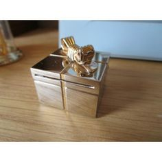 """New Listing Started Vintage Miniature brass parcel quartz clock bow on top 1.25""""square working £4.90"""