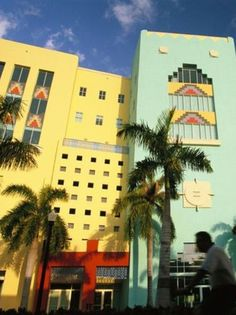 Art Deco Architecture in Miami Florida. We always loved Art Deco buildings. Miami Art Deco, Art Deco Decor, Art Deco Design, Art Nouveau, Miami Beach, Miami Florida, South Beach, Tropical, Modern Painting