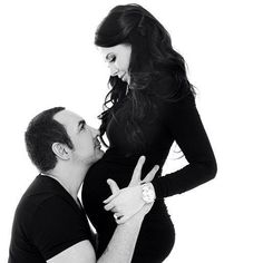 Pregnancy photo ideas- I am not too sure if I can get the hubby's consent to do this photo.