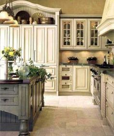 10 Best French-Country Kitchen Design Ideas To Inspire You French country design is known by its classic and luxurious design. It is commonly loved by the rich people who Best French-Country Kitchen Design Ideas To Inspire You - GODIYGO. Modern French Country, French Country Kitchens, French Country Farmhouse, French Country Decorating, Farmhouse Style, Rustic French, Cottage Farmhouse, Rustic Farmhouse, Country Blue