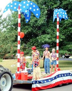 Fourth of July parade float idea 4th Of July Cake, Fourth Of July, Boat Parade, Parade Floats, 4th Of July Images, 4th Of July Parade, 4th Of July Decorations, Camping Decorations, 4th Of July Fireworks