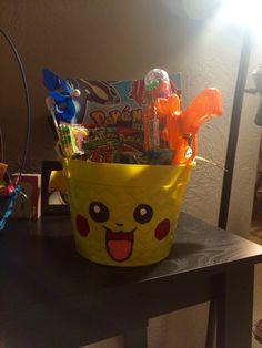Pikachu Easter basket Pokemon Easter Basket, Boys Easter Basket, Easter Gift Baskets, Christmas Baskets, Easter Bunny, Easter Eggs, Pokemon Gifts, Pokemon Party, St Patrick Day Treats