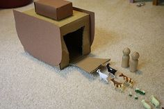 GREAT site for explaining using Godly play at home. :-)