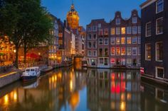 Amsterdam at night https://www.facebook.com/SuitcasesAndSunglasses