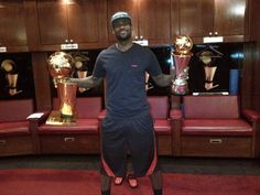 #NBA Playoff 2012: i Miami Heat vincono il titolo e LeBron James torna su #Twitter #socialnetwork