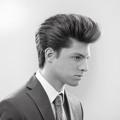 Gorgeous Short Hairstyles That Will Make You Want To Cut - Gorgeous Short Hairstyles That Will Make You Want To Cut Your Hair Long Live The Lob Pompadour Fade Haircut, Pompadour Men, Taper Fade Haircut, Quiff Hairstyles, Classic Hairstyles, Men's Hairstyle, Medium Hairstyles, Wedding Hairstyles, Wavy Hair Men