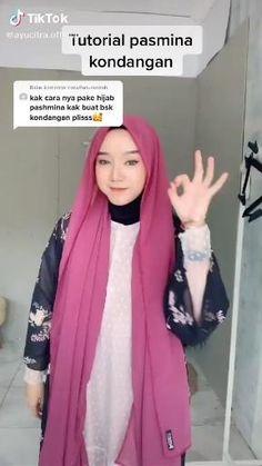 Tutorial Hijab Pesta, Simple Hijab Tutorial, Pashmina Hijab Tutorial, Hijab Style Tutorial, Modern Hijab Fashion, Hijab Fashion Inspiration, Muslim Fashion, How To Wear Hijab, Ways To Wear A Scarf