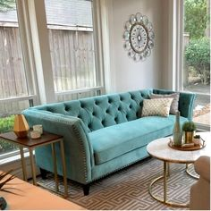 5 Design Tips for Your Dream Living Room – Voyage Afield Tufted Couch, Chesterfield Sofa, Cushions On Sofa, How To Clean Furniture, Scandinavian Living, Online Furniture, Living Room Designs, Living Rooms, Modern Living