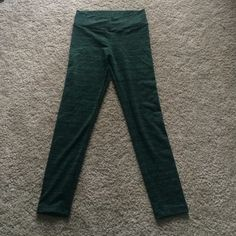 Brazilian fitness pants Amazing huggable fabric, full yoga pants. In green with black details Pants Leggings