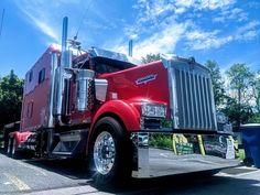 ARI Legacy Sleepers manufactures high-end custom sleepers for semi trucks. Peterbilt 386, Kenworth Trucks, Semi Trucks, Big Trucks, Customised Trucks, Eastern Countries, Hulk Marvel, Side Door, Built In Storage