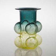 "NANNY STILL - Glass vase ""Pajazzo"" for Riihimäen Lasi Oy, Finland.   [h. 20 cm] Glass Design, Design Art, Minnen, New Pins, Finland, Modern Contemporary, Retro Vintage, Glass Vase, Pottery"