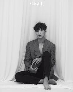 Thoughtful Woo Do Hwan Poses for October's Vogue Korea Korean Star, Korean Men, Asian Men, Handsome Korean Actors, Seo Kang Joon, Joo Hyuk, Vogue Korea, Kim Woo Bin, Kdrama Actors
