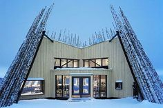 Designed by Swedish Murman Arkitekter, Tusen Restaurant is a beautiful building landmark with a facade covered with thousands locally sourced birch logs protecting the building from the cold Nordic winds.