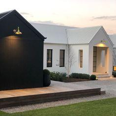 Gorgeous Modern Barn Home Ideas - House Topics Casa Loft, Scandi Home, Modern Farmhouse Exterior, Modern Barn, Barn Lighting, Vintage Lighting, Facade House, House Cladding, Wall Cladding