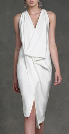White dress by Donna Karan by SoBlue. Fashion details of clothes. Mode Chic, Mode Style, Fashion Mode, Womens Fashion, Fashion Night, Street Fashion, Elegantes Outfit, Business Outfit, Donna Karan
