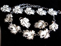 Sarah Coventry Whispering Leaves Necklace by JanesVintageJewels