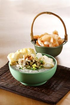 BUBUR AYAM SUKABUMI Chicken Porridge, Cooking Recipes, Healthy Recipes, Healthy Food, Indonesian Cuisine, Tasty, Yummy Food, English Food, Food Places