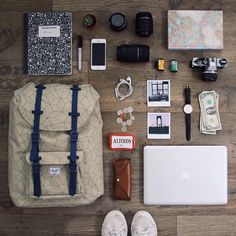 42 Trendy travel packing tips men vacations What In My Bag, What's In Your Bag, Travel Checklist, Travel Essentials, School Checklist, Backpack Essentials, Packing Tips, Travel Packing, Camping Packing