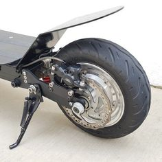 Rear suspension Scooter Wheels, Scooter Bike, Vespa Scooters, Moto Bike, Electric Scooter With Seat, Electric Bicycle, Gas Powered Scooters, Scooter Design, Cars And Motorcycles