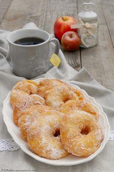 Beignets, Recipe D, Best Apple Pie, Breakfast Photography, Romanian Food, Breakfast Tea, Doughnut, Nutella, Food And Drink