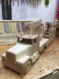 Toys For Boys, Kids Toys, Metalarte, Wooden Toy Trucks, Wood Toys, Woodworking Projects Plans, Handmade Toys, Wood Projects, Gifts For Kids