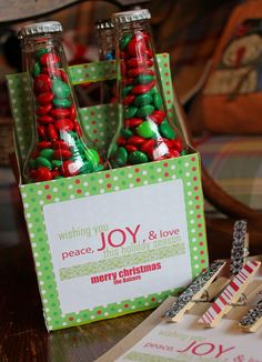Oh my goodness!!!! I LOVE this idea!! <3 <3 DIY Christmas Gift!