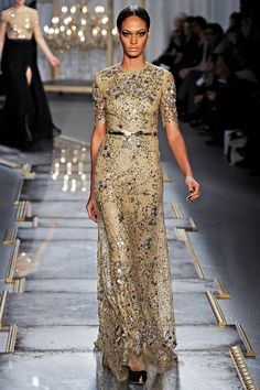 Please fashion fairies. Send me this dress. And a spectacular occasion to wear it to.